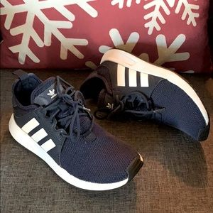Youth sz 3.5 Adidas sneakers in good condition